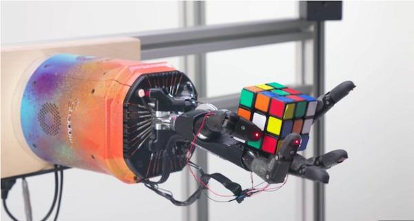 Rubic's cube robot solver