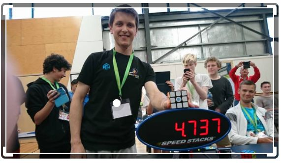 World Records in the cubing world - broken