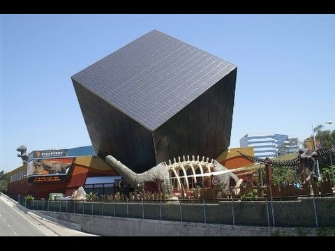 cube shaped discovery science musuem - Rubik's Cube in Architecture